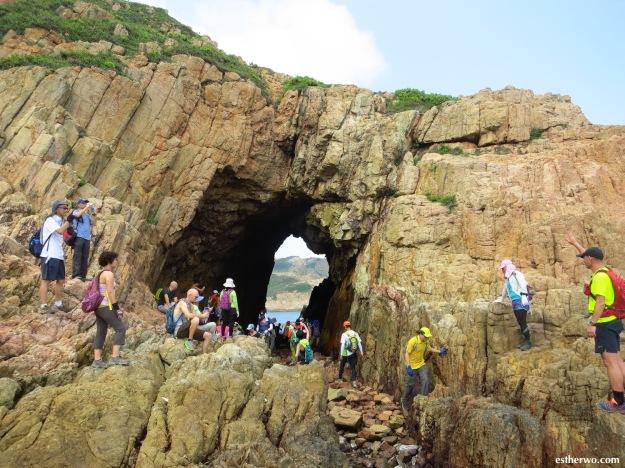 hike-mok-min-cave-19